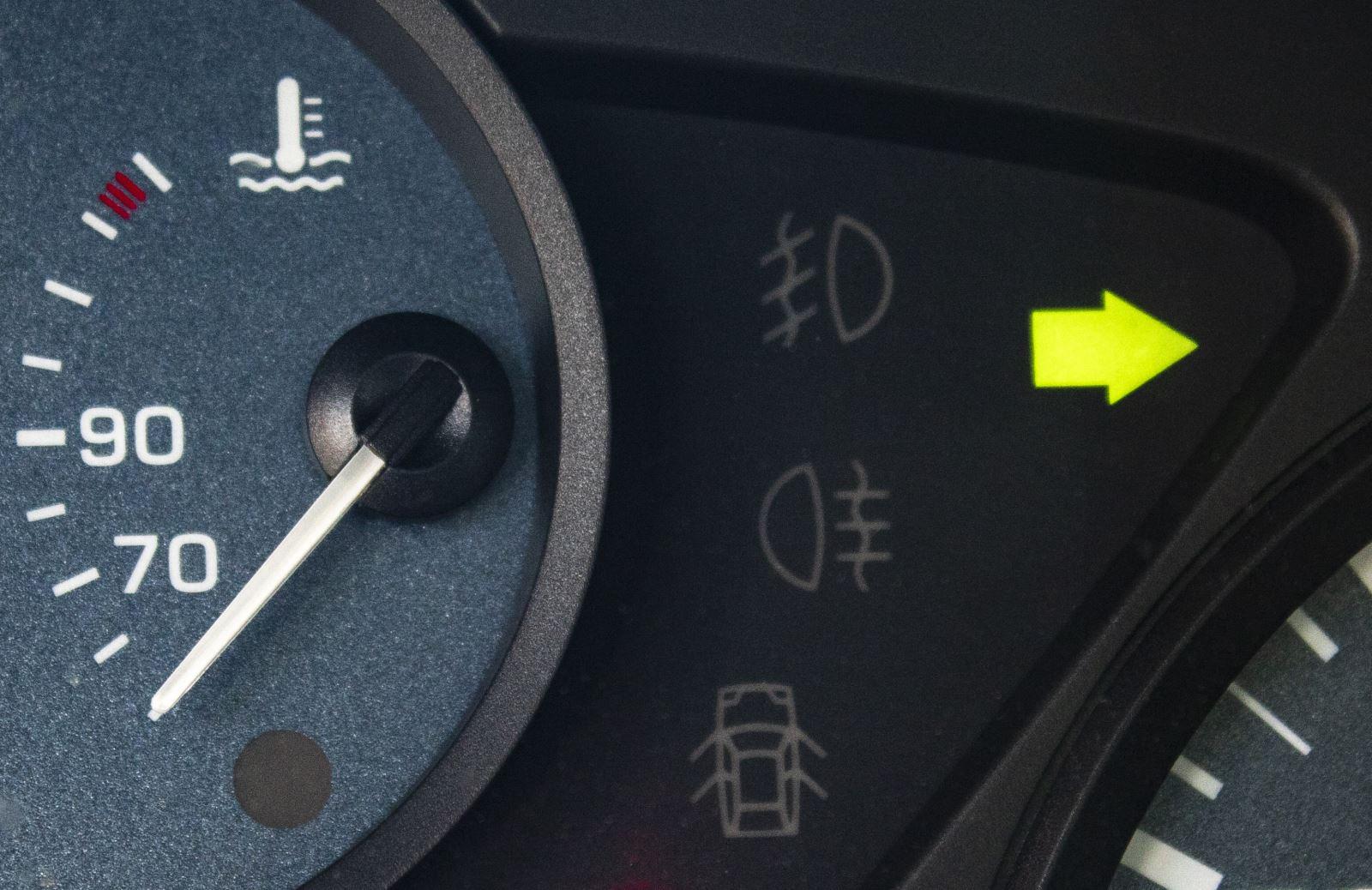 Was die Kontroll und Warnleuchten im Auto bedeuten